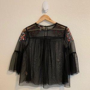 Arizona Jean Company Tops - Arizona Jeans Black Embroidered Bell Sleeve Top M